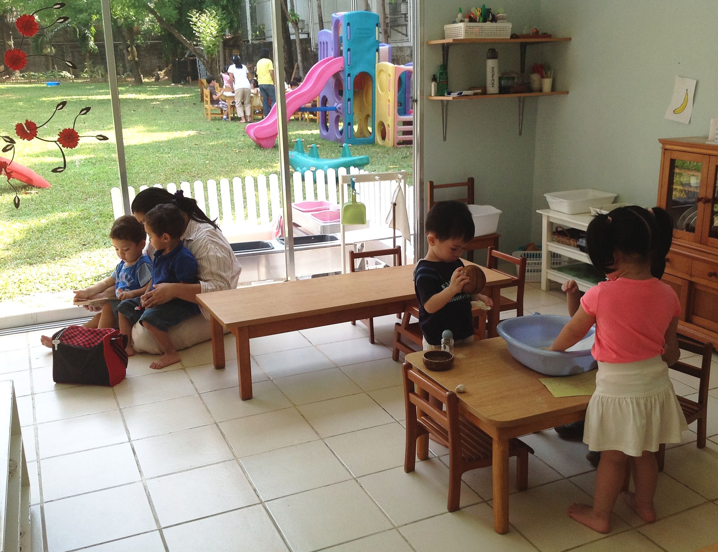 characteristics of prepared environment in montessori Instead of information passing from the teacher to the student, the teacher is skilled in putting the child in touch with the environment, and helping him learn to make intelligent choices and to carry out research in a prepared environment.